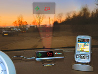 "NavGear 2in1 Head-Up-Display: GPS-Tacho mit GPS-Receiver ""HUD70-BT"""